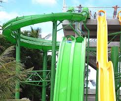 The Twin Racers: You get a mat and slide down face-first down an epic slide! Tip: Hold Mat a little bit off the slide to avoid water going everywhere!